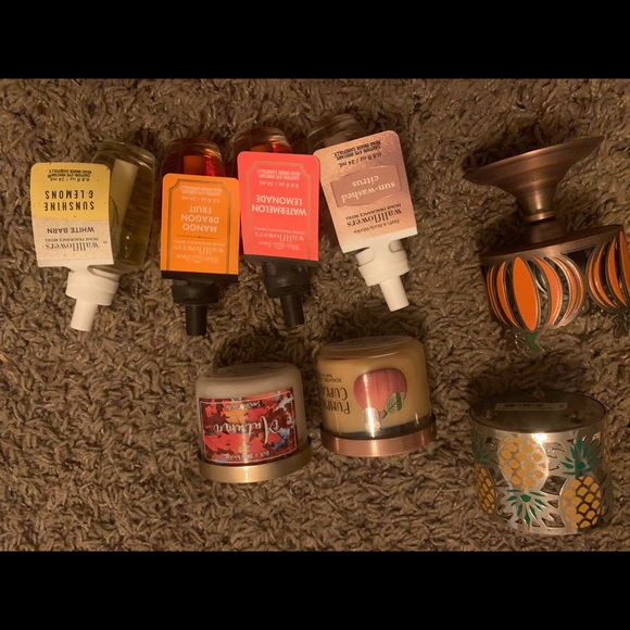 Bath & Body Works Other - Wallflowers & candles